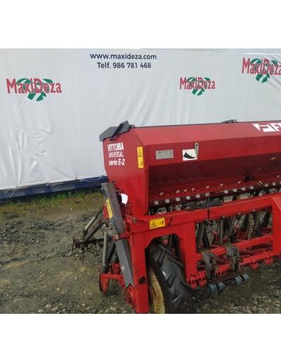 Tractor Jhon Deere 2140 con pala